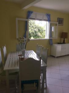 Le Gite Des Orquidees, Holiday homes  Bazin - big - 12