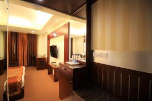 Hotel Golden Grand, Отели  Нью-Дели - big - 5