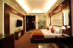 Hotel Golden Grand, Отели  Нью-Дели - big - 17