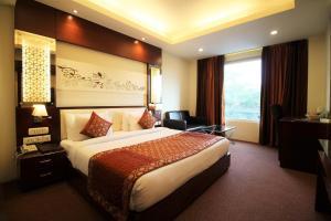 Hotel Golden Grand, Отели  Нью-Дели - big - 15