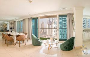 Bravoway Marina View Penthouse with Private Terrace and Pool - Dubai