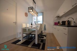 Just Stay & Smoes Apartments - Next to Central Station(Róterdam)