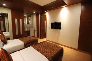 Hotel Golden Grand, Отели  Нью-Дели - big - 10