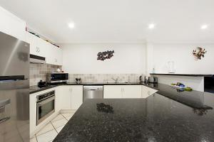 11 Northview Apartments, Apartments  Townsville - big - 12
