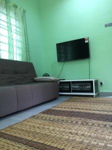 Homestay Opah D'Jeram, Holiday homes  Kampar - big - 2