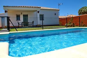 Chalet Cala de Roche, Holiday homes  Roche - big - 8