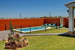 Chalet Cala de Roche, Holiday homes  Roche - big - 4