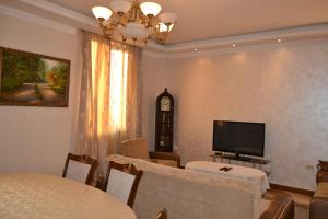panorama from 16-th floor, Apartmány  Yerevan - big - 11