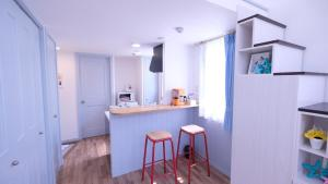 Located Centre of Naha, La Clairchance Kume 201, Apartmanok  Kume - big - 12