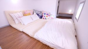 Located Centre of Naha, La Clairchance Kume 203, Apartments  Kume - big - 11