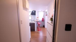 Located Centre of Naha, La Clairchance Kume 203, Appartamenti  Kume - big - 53