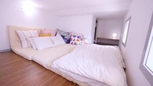 Located Centre of Naha, La Clairchance Kume 203, Apartments  Kume - big - 13