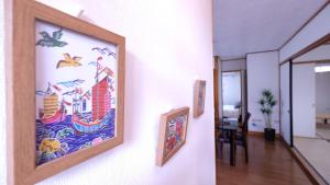 Beautiful 2 Story 5 Bedroom House Center of Naha, Ferienwohnungen  Kume - big - 4