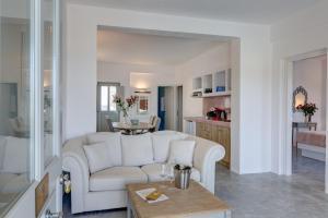 Desiterra Suites and Villas(Fira)