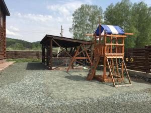 Inn Chalet Polyana, Hostince  Novoabzakovo - big - 6