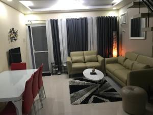 2BR House at Tagaytay Hampton Villas