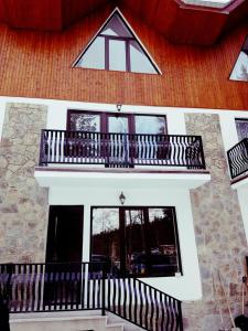 котедж, Guest houses  Bakuriani - big - 9