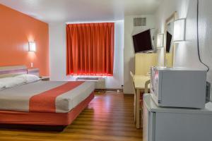 Motel 6 Redmond