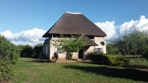 Engiri Game Lodge & Campsite