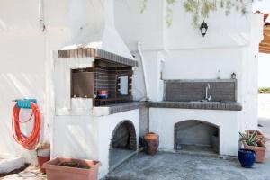 Spacious Two Bedroom Beach House, Case vacanze  Melission - big - 28