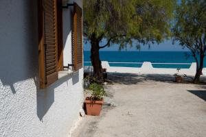 Spacious Two Bedroom Beach House, Case vacanze  Melission - big - 26