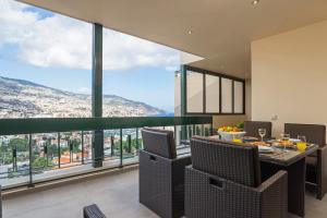 Maravilhas I by Travel to Madeira, Apartments  Funchal - big - 4