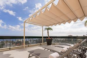 Maravilhas I by Travel to Madeira, Apartments  Funchal - big - 10