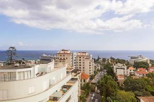 Maravilhas I by Travel to Madeira, Apartments  Funchal - big - 9