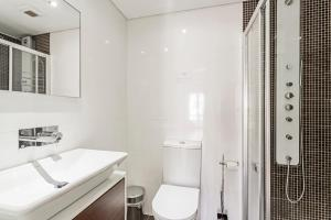 Maravilhas I by Travel to Madeira, Apartments  Funchal - big - 7