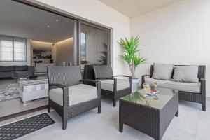 Maravilhas I by Travel to Madeira, Apartments  Funchal - big - 5
