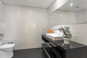 Maravilhas I by Travel to Madeira, Apartments  Funchal - big - 25