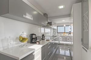 Maravilhas I by Travel to Madeira, Apartments  Funchal - big - 42