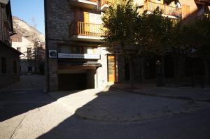Ribagorza cincuenta y ocho, Apartments  Benasque - big - 20