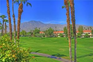 55421 Winged Foot, Holiday homes  La Quinta - big - 5