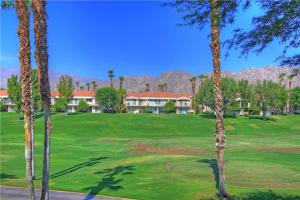 55421 Winged Foot, Holiday homes  La Quinta - big - 20