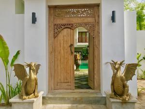 Grand Suite in Villa Khaleesi, Bed and Breakfasts  Seminyak - big - 60