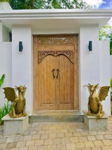 Grand Suite in Villa Khaleesi, Bed and Breakfasts  Seminyak - big - 58