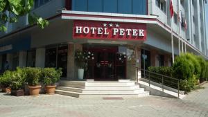 Petek Hotel