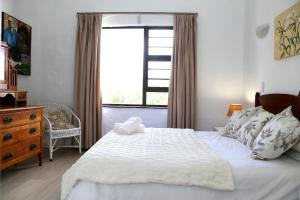 9 Sea Village, Apartmanok  Hermanus - big - 2