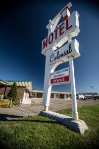 A Picture of Motel Colonial