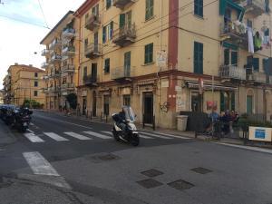 B&B PARK&BEACH CENTRAL PENNY LA SPEZIA, Holiday homes  La Spezia - big - 17