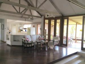 Northlight Villa & Studio, Дома для отпуска  Сент-Джеймс - big - 4