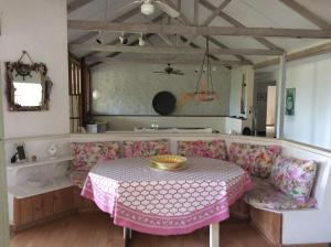 Northlight Villa & Studio, Дома для отпуска  Сент-Джеймс - big - 3
