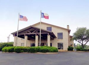 Windcrest Inn and Suites, Motel  Fredericksburg - big - 13