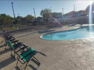 Windcrest Inn and Suites, Motel  Fredericksburg - big - 12