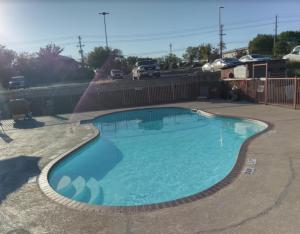 Windcrest Inn and Suites, Motel  Fredericksburg - big - 11