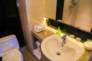 Mengwan Harbor Apartment, Apartmanok  Csingtao - big - 18