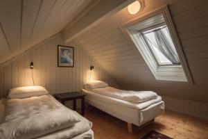 Håholmen Havstuer, Hotels  Karvåg - big - 14