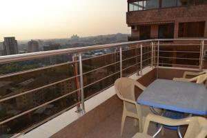 panorama from 16-th floor, Apartmány  Yerevan - big - 41