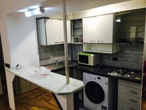 Mirrors Apartment, Apartmány  Bukurešť - big - 7